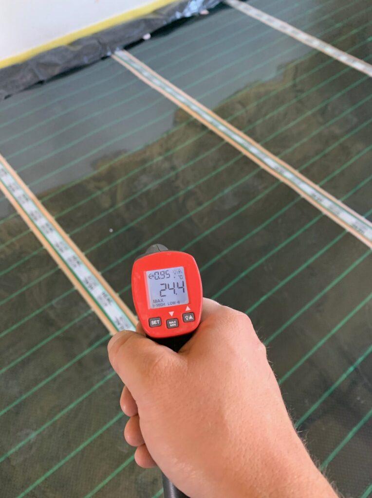 Elektryczne ogrzewanie podłogowe, folia grzewcza